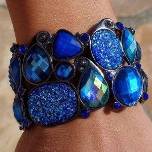 Jewelry - Iridescent Blue Druzy Stretch Bangle Bracelet